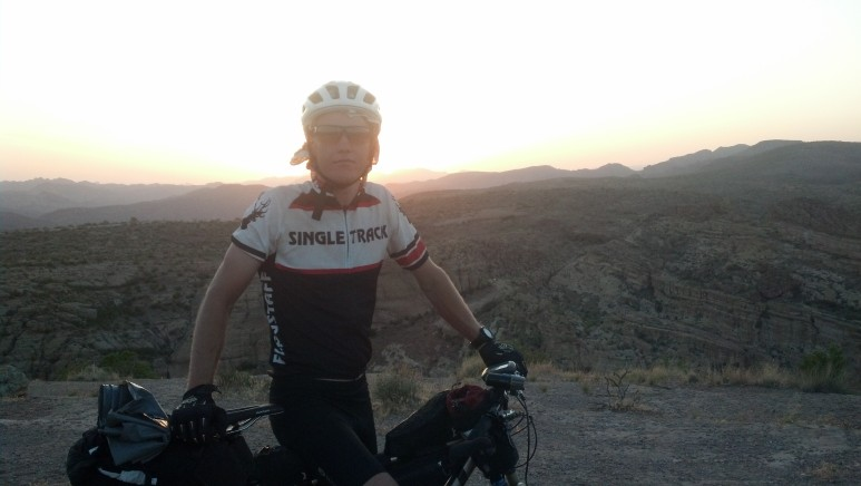 The most beautiful section on the entire race.  The Apache Trail.  Simply amazing sunset.
